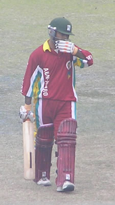 Faisal Athar skipper of Hyderabad Hawks out on 98