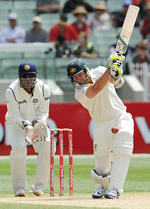 Ben Hilfenhaus frustrated India in a handy last-wicket stand
